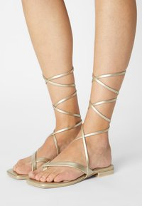 RAID - HAVEN - T-bar sandals - gold - 0