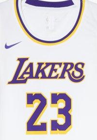 Nike Performance - NBA LA LAKERS LEBON JAMES ICON SWINGMAN - Squadra - white - 2