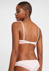 Calvin Klein Underwear - FLIRTY UNLINED - Triangel BH - nymphs thigh - 2