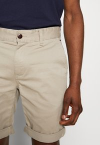 Tommy Jeans - ESSENTIAL - Shorts - stone - 3