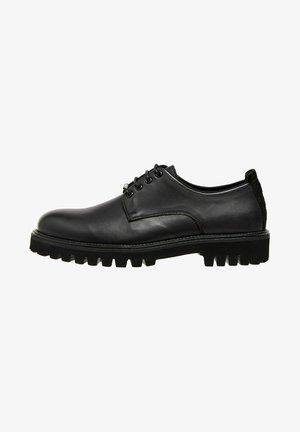 TRUCKER DERBY - Šněrovací boty - black