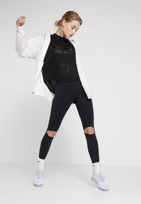 Nike Performance - REBEL ONE - Punčochy - black/white - 1