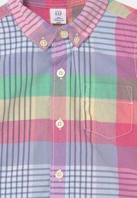 GAP - TODDLER BOY - Shirt - multi-coloured - 2