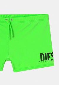Diesel - MOKY UNISEX - Swimming trunks - green fluo - 2