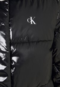 Calvin Klein Jeans - HIGH SHINE PUFFER - Winter jacket - black - 2