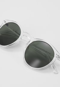 Jack & Jones - JACMAVERICK SUNGLASSES - Gafas de sol - transparent - 2