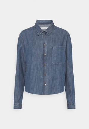 JDYPOPPY LIFE RAW HEM SHIRT  - Button-down blouse - medium blue denim