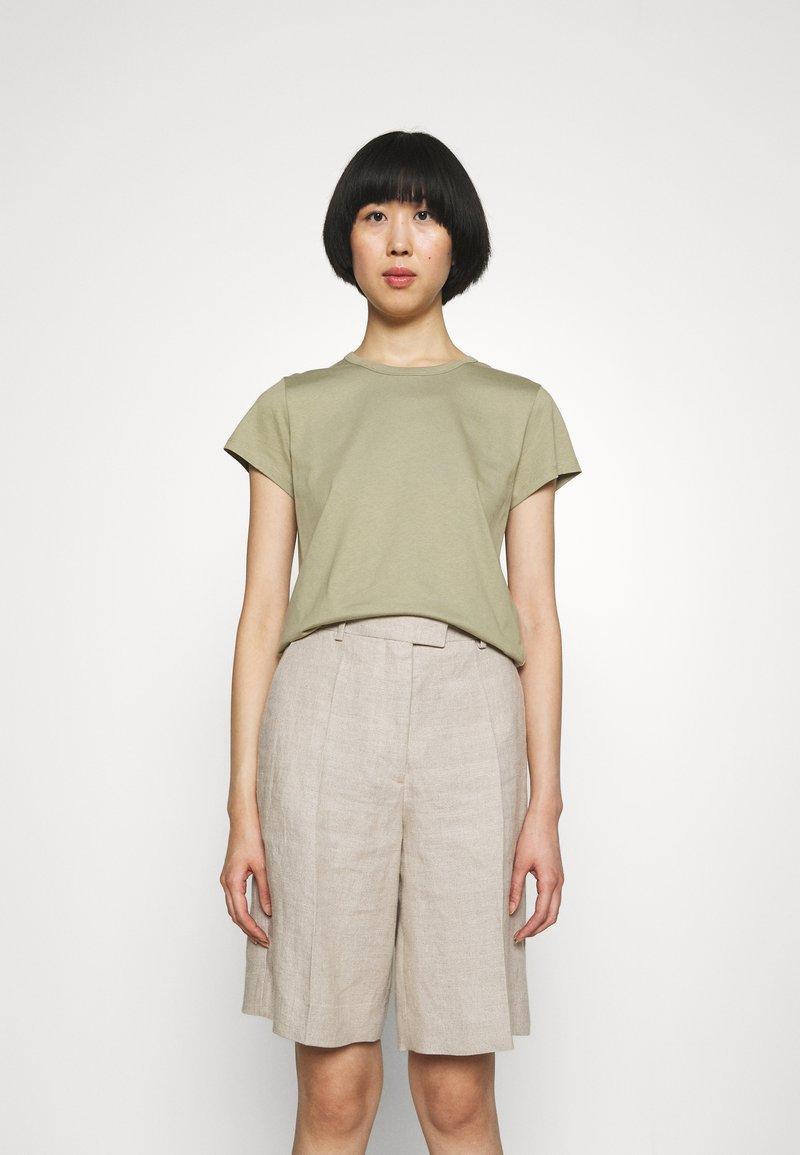 Filippa K - EDNA - Jednoduché triko - sage green