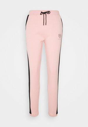 YARROW - Pantalon de survêtement - pink/black