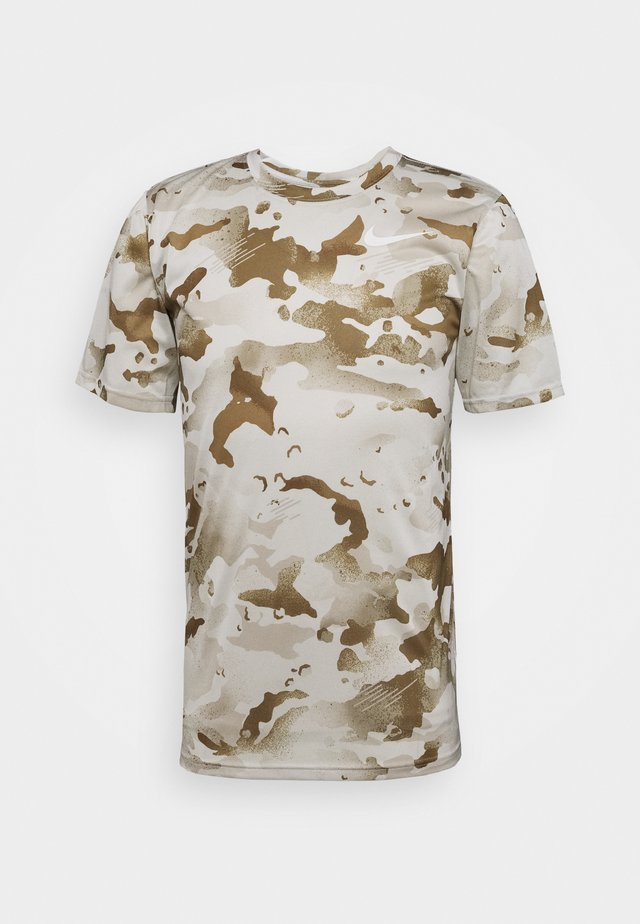 DRY TEE CAMO - Triko s potiskem - light bone/sail