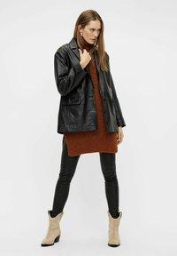 YAS - Jumper dress - mocha bisque - 1