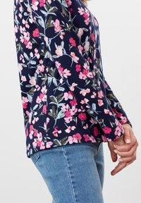 Tom Joule - HARBOUR  - Long sleeved top - marineblau floral - 4