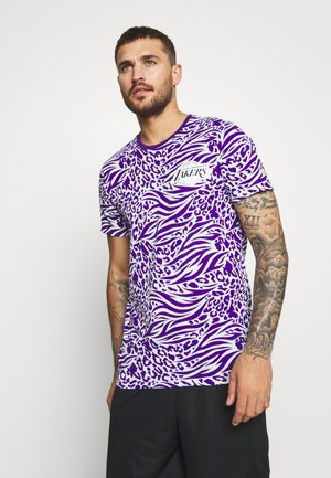NBA ALL OVER PRINT TEE LOS ANGELES LAKERS - Club wear - purple