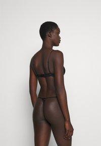 Cotton On Body - IVY TANGA BRIEF 3 PACK - Thong - black/cream/black - 2