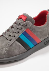 Camper - TWINS - Trainers - medium gray - 2