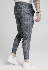 SIKSILK - SMART - Teplákové kalhoty - pow - 4