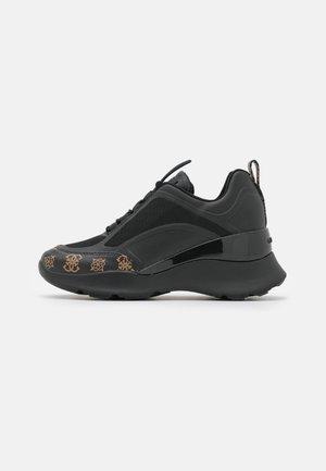 EMERIE - Sneakersy niskie - black/brown