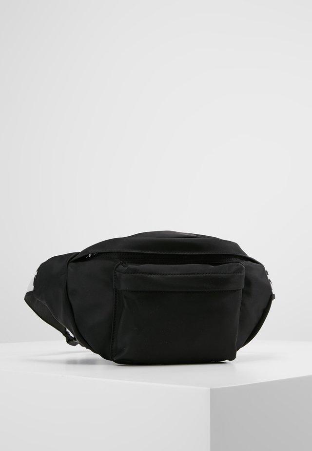 IAN - Heuptas - black