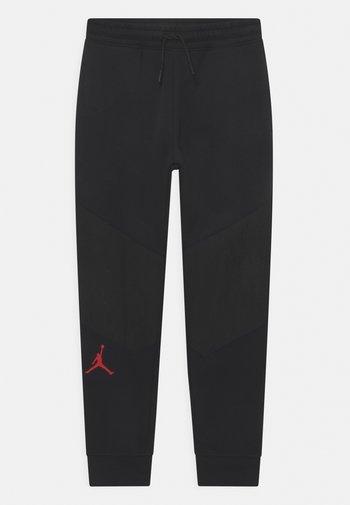 ZION  - Pantaloni sportivi - black