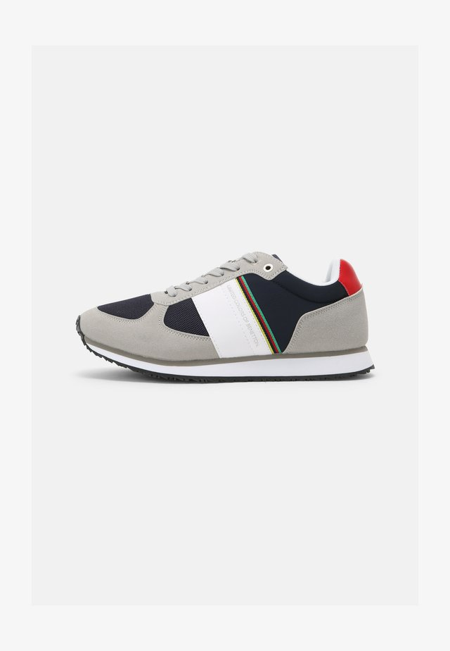 AMPLE - Sneakers laag - ciment/flag
