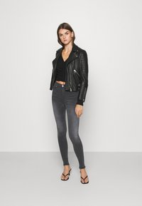 Dr.Denim - PLENTY - Jeans Skinny Fit - iron black - 1