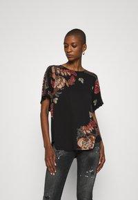 Desigual - GABI - T-shirts med print - black - 0