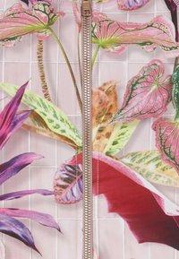 Molo - NELLIE - Vesta do vody - pink - 3