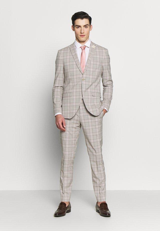 PINK CHECK SUIT WEDDING - Oblek - grey