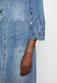 Cream - ROSITA DRESS - Denim dress - light blue denim - 5