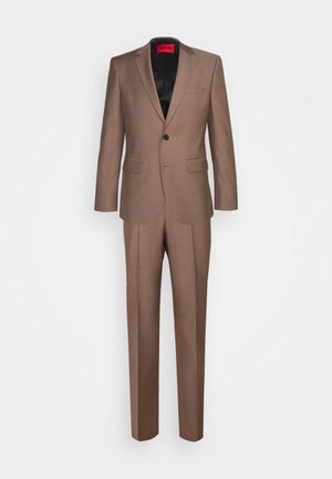 JEFFERY SIMMONS - Costume - light pastel brown