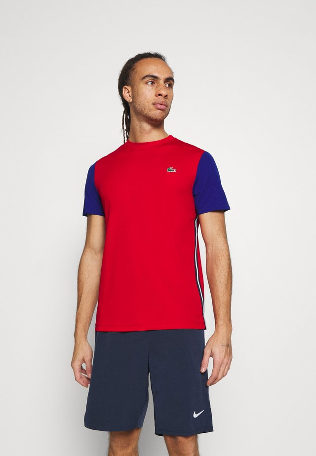 TENNIS - T-shirt print - red/cosmic