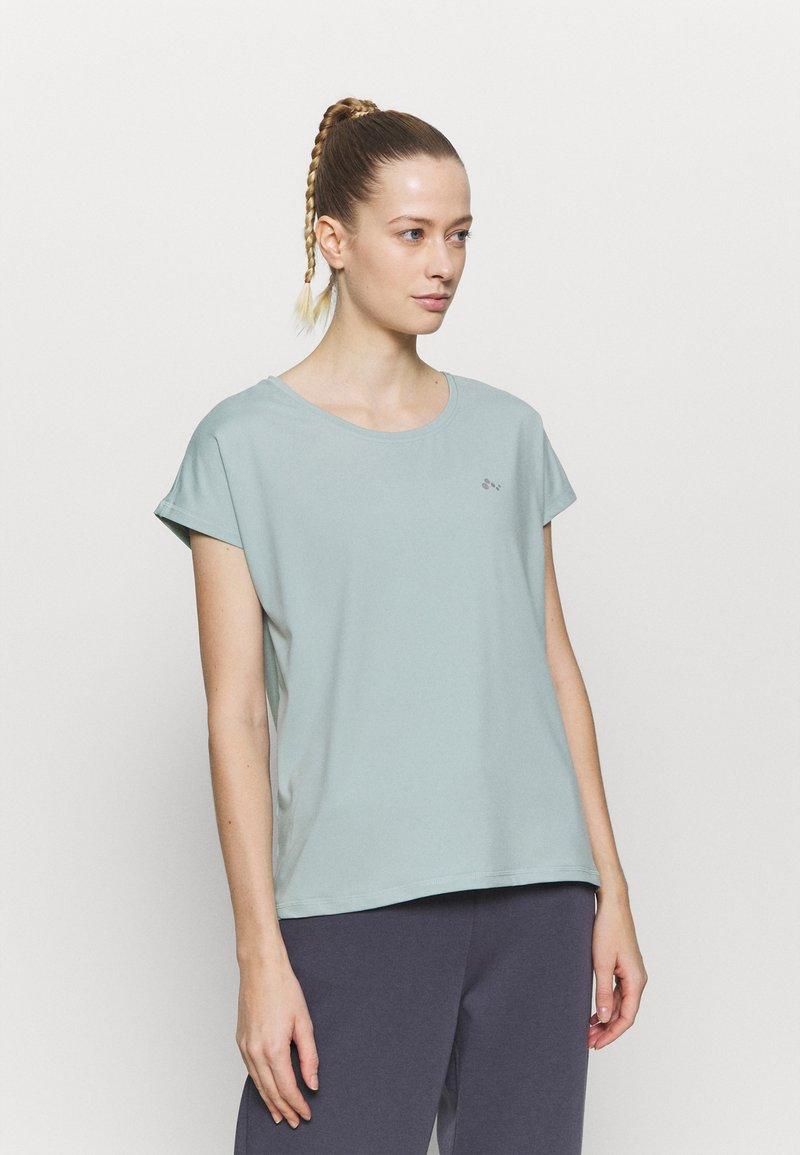 ONLY Play - ONPAUBREE TRAINING TEE - Basic T-shirt - gray mist