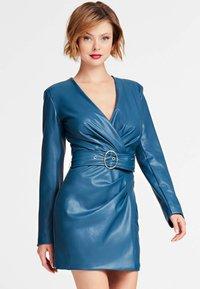 Guess - GUESS KLEID KUNSTLEDER - Day dress - blue - 0