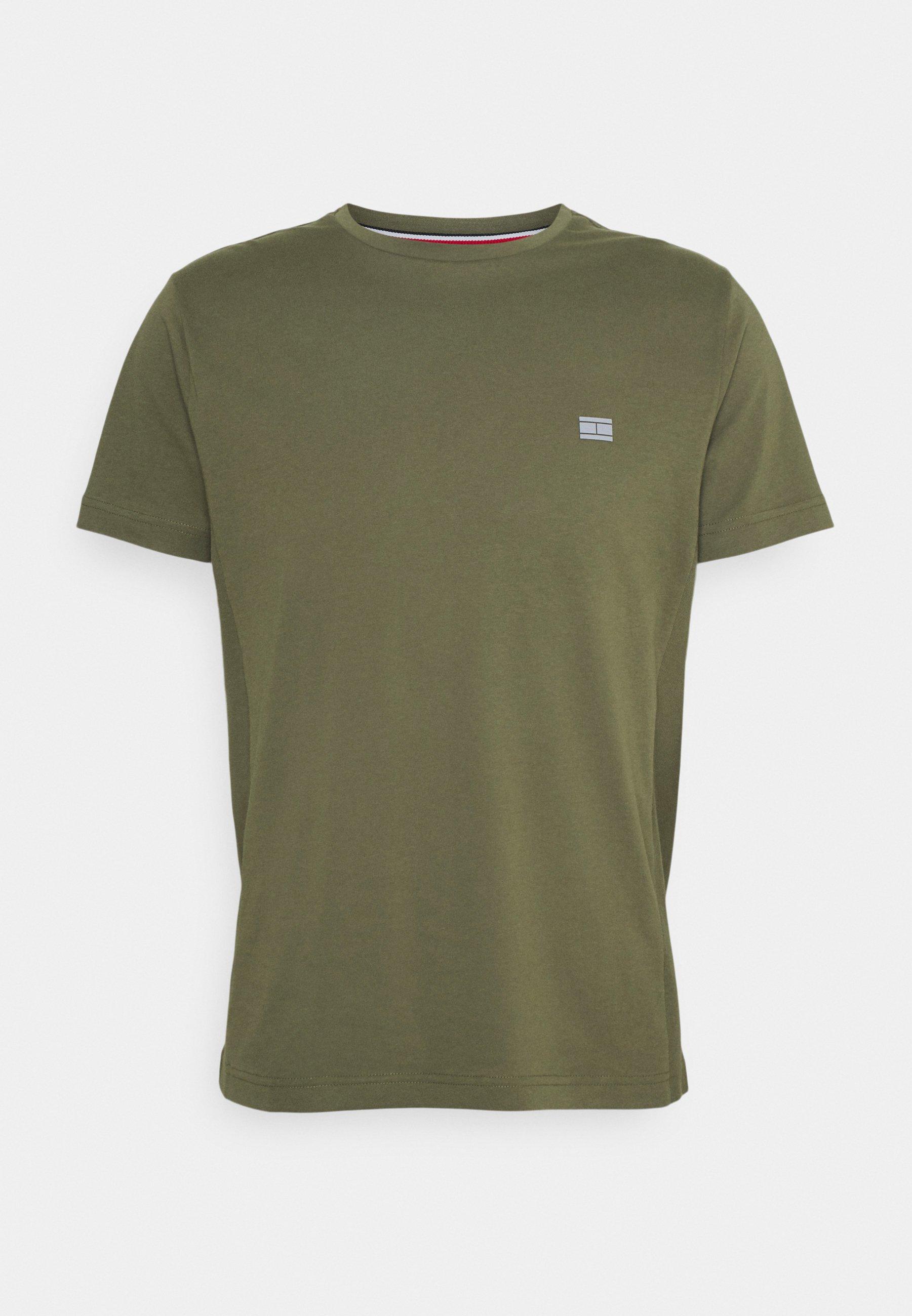 Men MODERN ESSENTIALS PANELED TEE - Basic T-shirt
