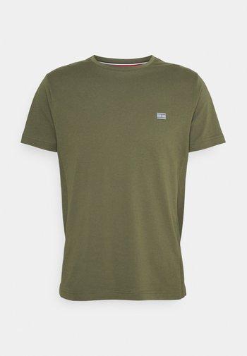 MODERN ESSENTIALS PANELED TEE - T-shirt - bas - utility olive