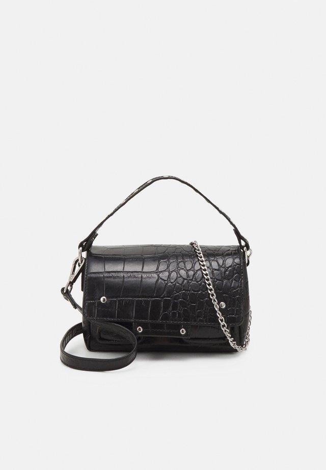 SMALL HONEY CROCO DELUXE - Handbag - black
