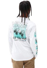 Vans - MN FLY NET LS - Long sleeved top - white - 1