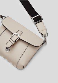 s.Oliver - Bum bag - light grey - 2