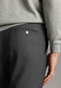 Massimo Dutti - Spodnie materiałowe - dark grey - 4