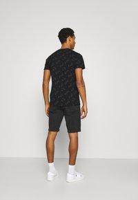Calvin Klein Jeans - Denim shorts - denim black - 2