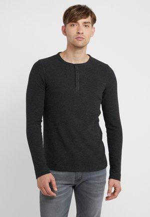TRIX - Pitkähihainen paita - black