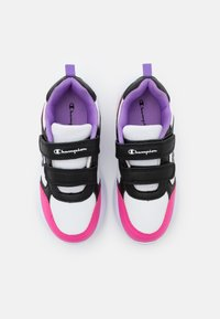 Champion - LOW CUT SHOE GRAFIC UNISEX - Sports shoes - white/new black/fuxia - 3