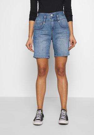 PITCH SHORTY - Denim shorts - true blue
