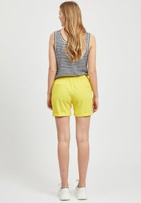 Object - OBJCECILIE  - Shorts - yellow - 2