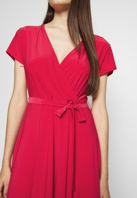 Wallis Petite - WRAP DRESS - Jersey dress - coral - 4
