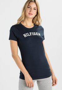 Tommy Hilfiger - TEE - Pyjama top - blue - 0