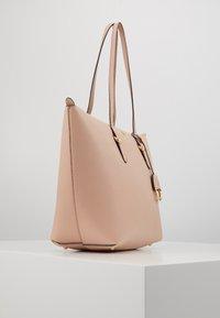 Lauren Ralph Lauren - GRAIN KEATON - Handbag - mellow pink - 4