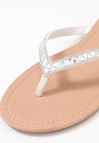 Head over Heels by Dune - LUCCII - T-bar sandals - white - 2
