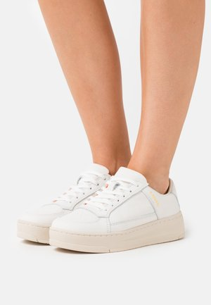 SILVERWOOD - Sneaker low - regular white