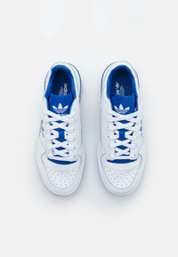 adidas Originals - FORUM BOLD - Trainers - footwear white/team royal blue - 6